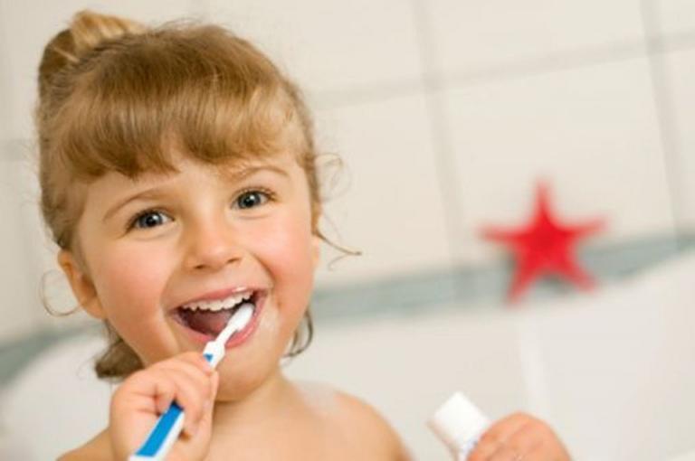 holiday dentist teeth whitening